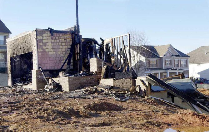 1WEB Settlers Grove fire