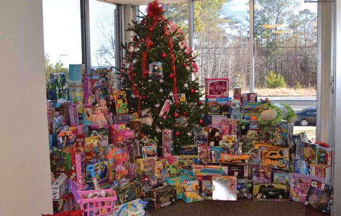 Sawnee EMC donated toys to SAFFT web