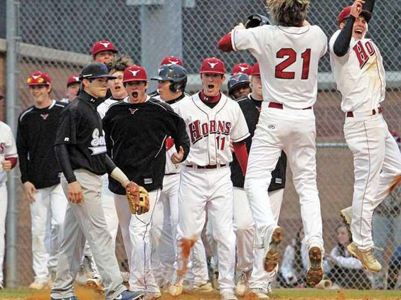 sports-LamSFbaseball1-websmall JP