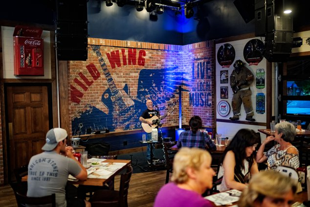 Wild Wing Café