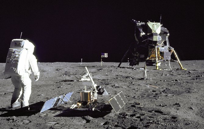 Lunar Landing 1 071719 web