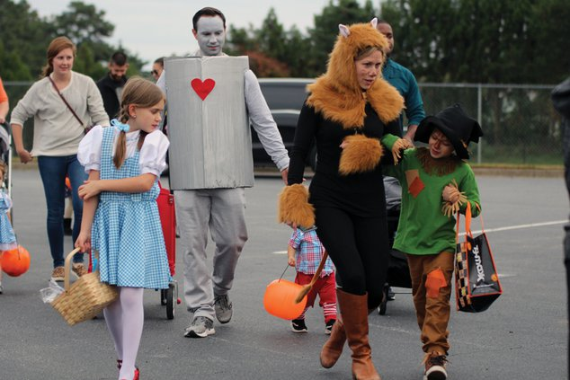 20191030_TrunkTreat_Costumes_14_web.jpg