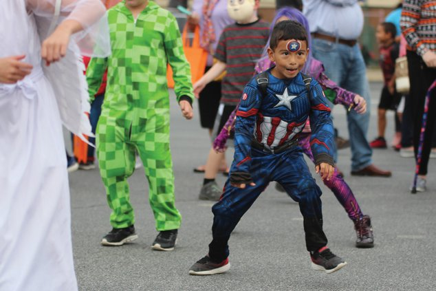 20191030_TrunkTreat_Costumes_24_web.jpg