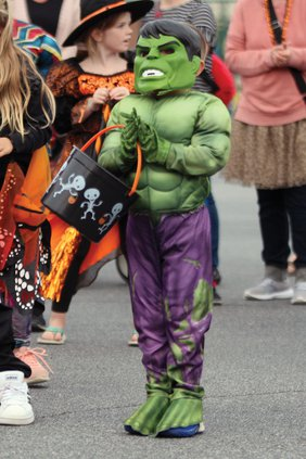 20191030_TrunkTreat_Costumes_25_web.jpg