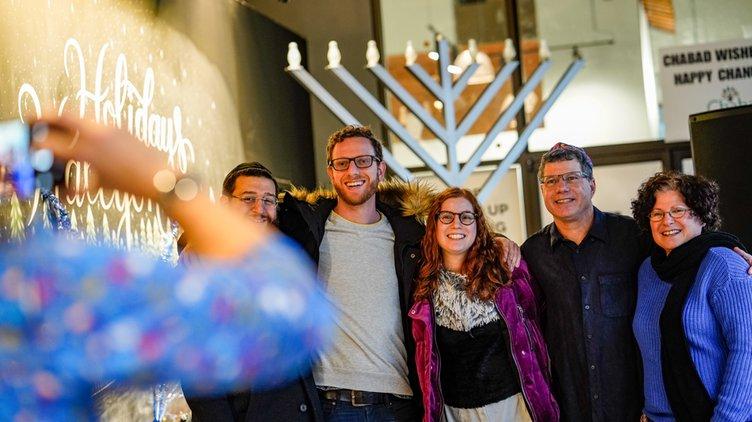 20191225_Hanukkah_2_web.jpg