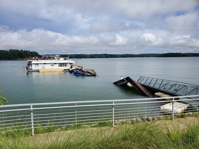 Lake Lanier Christmas 2020 Hall County authorities respond to reports of damage at Aqualand