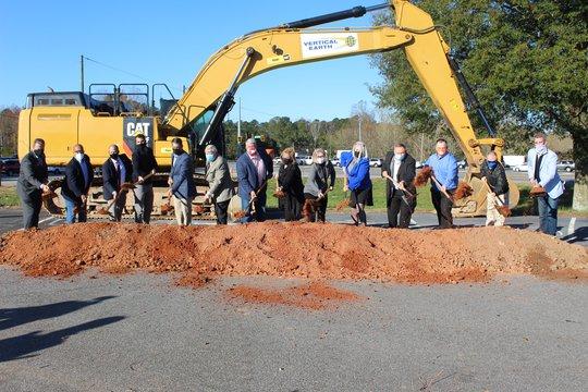 Officials break ground on Ga. 400-Hwy. 369 interchange, widening project